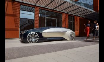 Renault EZ-ULTIMO: a robo-vehicle for a premium mobility experience